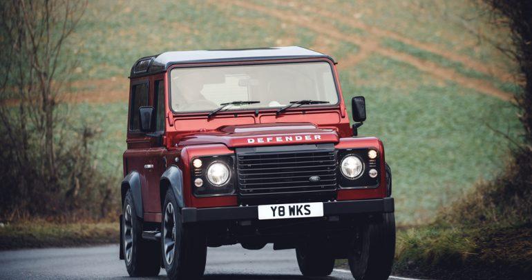 لاند روفر ديفندر V8 هدية الوداع قبل الجيل الجديد… المختلف تماما