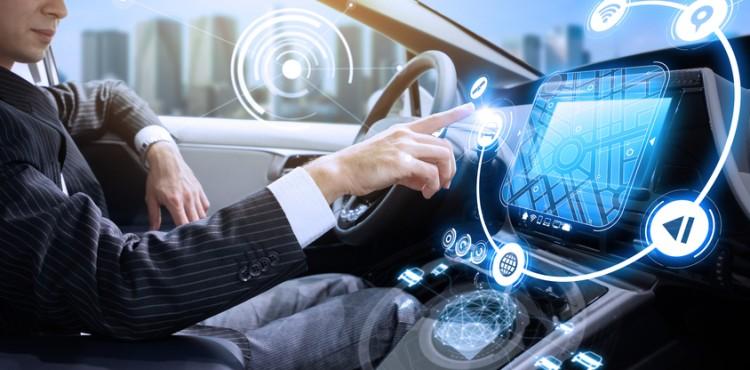 مستقبل نظام الإعلام والترفيه انفوتينمنت داخل السيارة