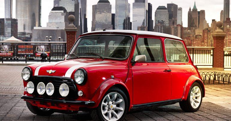 ميني كهربائية اختبارية: أيقونة السيارات الصغيرة تضع قدماً لها في المستقبل