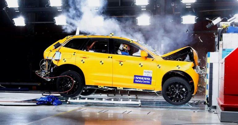 10 سيارات فاخرة توفر أعلى درجات الأمان عام 2018