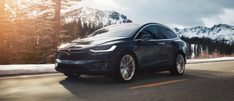تسلا Model X تثبت مدى الحماية والأمان في سياراتها