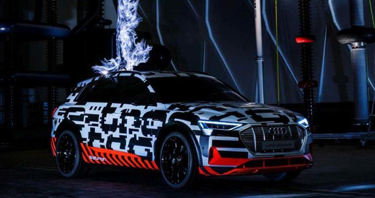 سيارة أودي إي-ترون الكهربائية تستعرض جاهزيتها