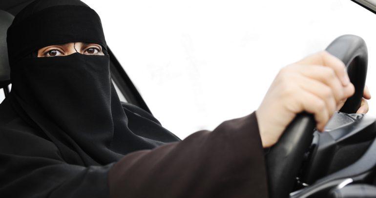 بدء إصدار رخص القيادة للمرأة في السعودية