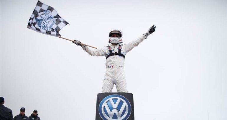 فولكس واجن تحطم الرقم القياسي في سباق بايكس بيك