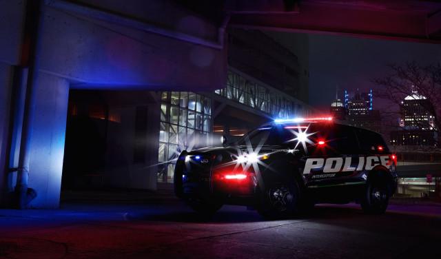 فورد اكسبلورر هجينة لعام 2020 على شكل سيارة شرطي