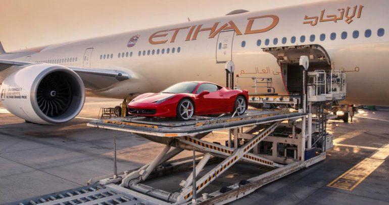 طيران الإتحاد توفر إمكانية شحن السيارات الخارقة مع الركاب