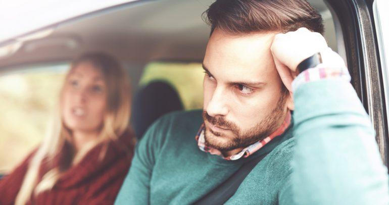 من الأفضل في قيادة السيارات: النساء أم الرجال؟
