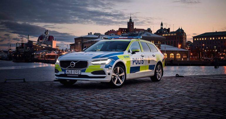 سيارات الشرطة المميزة في أنحاء العالم