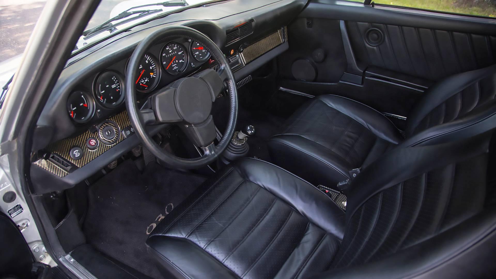 بورشه 911 تيربو طراز 930