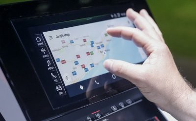 جديد أنظمة المعلومات والترفيه في سيارات رينو نيسان ميتسوبيشي