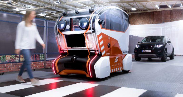 جاكوار لاند روڤر تزود وحدات التنقل ذاتية القيادة بـ 'عيون افتراضية'