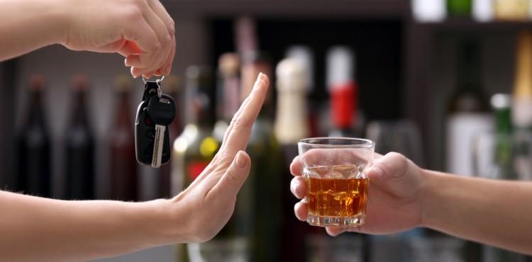 بالتفاصيل كيف يتأثر عقل السائق بتناول المشروبات الكحولية؟
