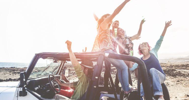 تأثير الأصدقاء على نوعية القيادة: سلبي أم إيجابي؟