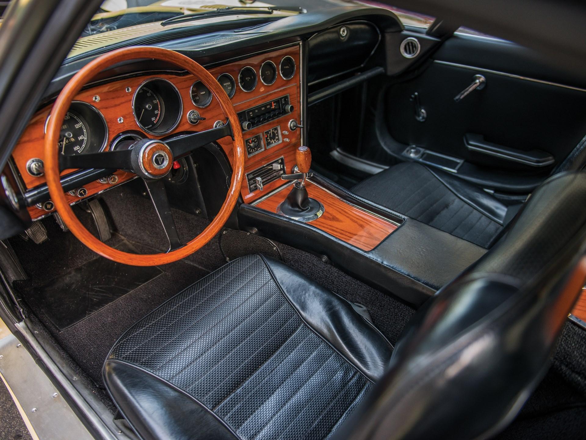 تويوتا 2000 GT