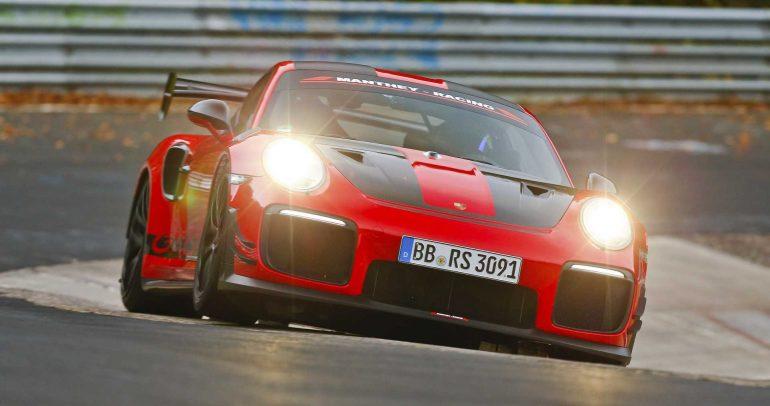 بورشه 911 GT2 RS MR تسجل توقيتا مميزا جديدا على حلبة نوربورينج