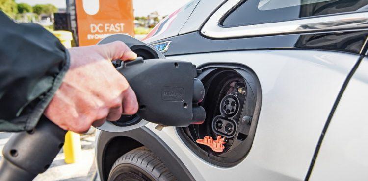 شفروليه بولت EV الكهربائية توفر الكثير من المال