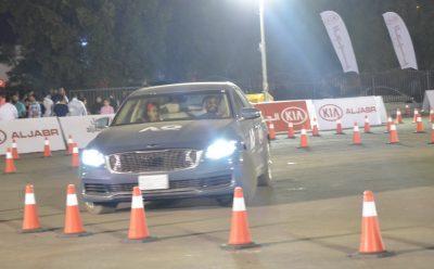 عرض سيارات كيا الهجينة في معرض جدة للسيارات