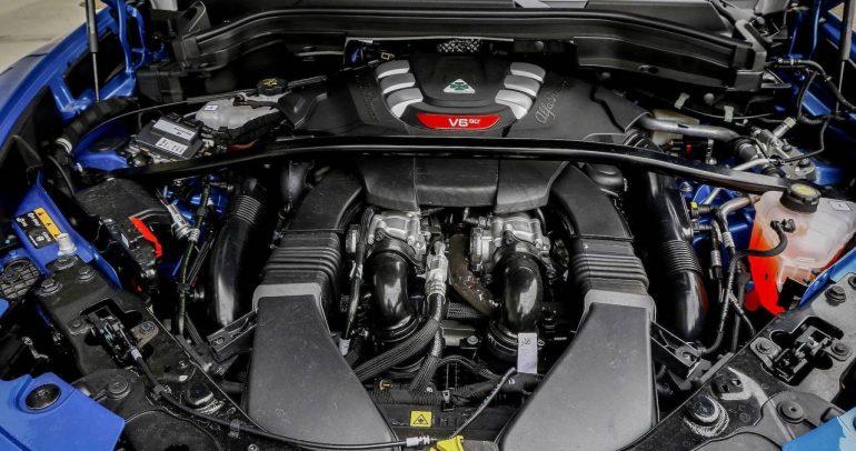 سيارات تحتوي على محرك ليس من تطوير الشركة الصانعة