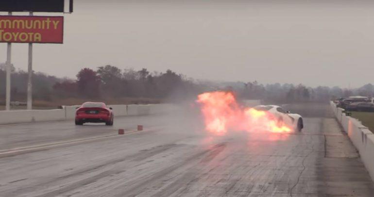 انفجار محرك دودج فايبر SRT أثناء سباق الانطلاق المستقيم