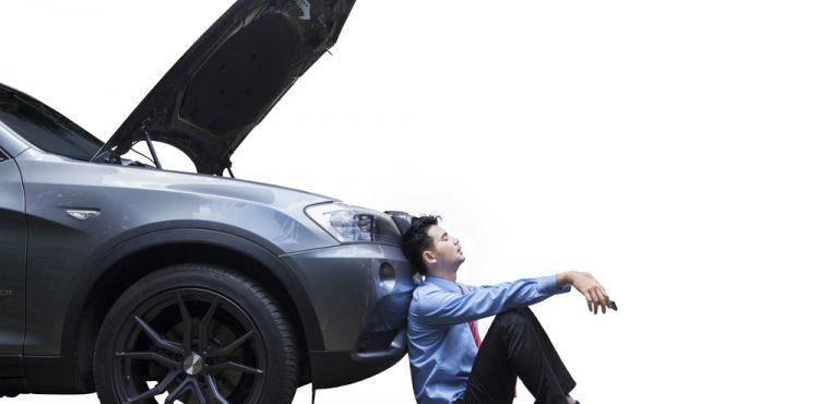 ماذا أفعل عند فتح غطاء المحرك فجائيا أثناء القيادة