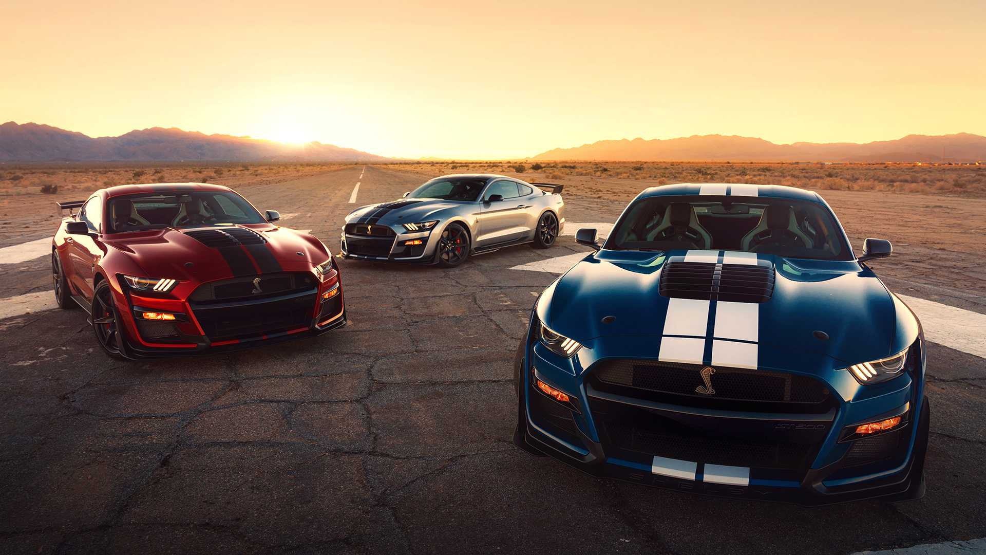 شفروليه كامارو ZL1 بمواجهة كل من فورد موستانج شيلبي GT 500 ودودج تشالنجر هيلكات : أيهما تفضلون؟