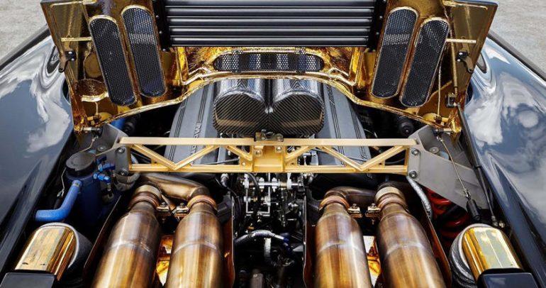 سيارات تم تصنيعها بالكامل أو صناعة بعض مكوناتها من المعادن الثمينة