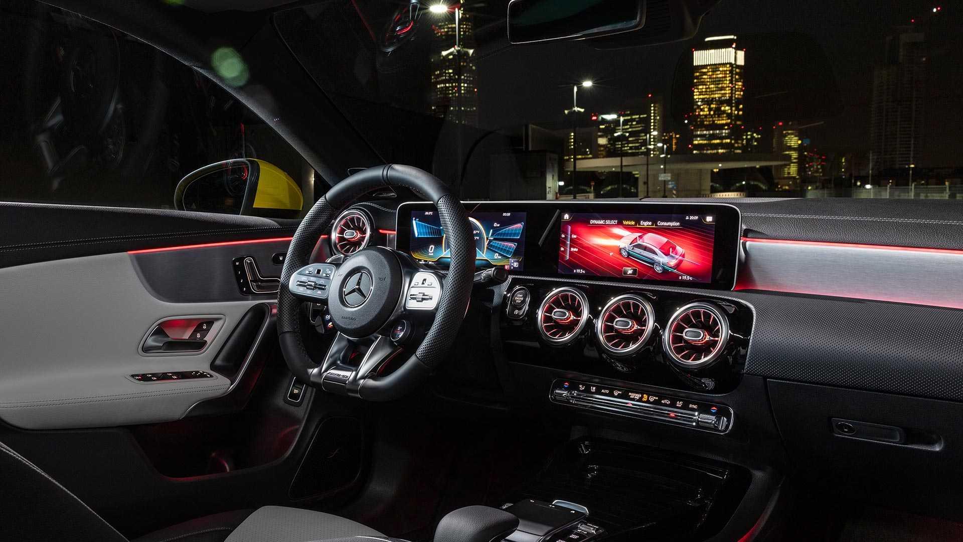مرسيدس-بنز CLA 35 AMG الجديدة