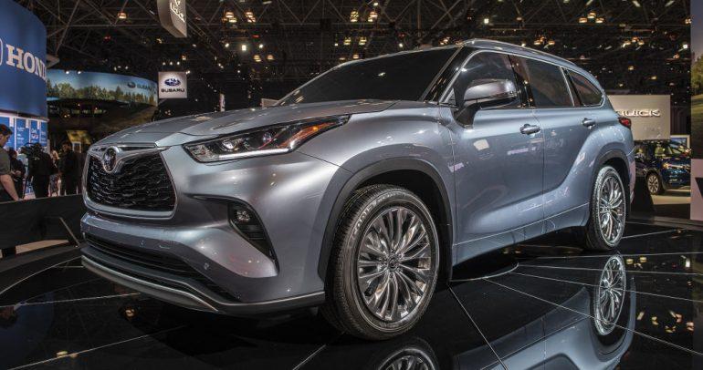 تويوتا هايلاندر الجديدة تنطلق في معرض نيويورك للسيارات