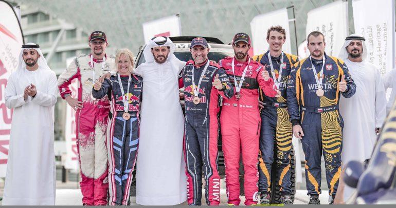بيترهانسل يتوّج بطلاً لرالي أبوظبي الصحراوي لفئة السيارات وسوندرلاند يفوز بلقب فئة الدراجات النارية