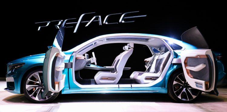 شركة جيلي تتألق وتكشف عن جديدها في معرض شنغهاي الدولي للسيارات
