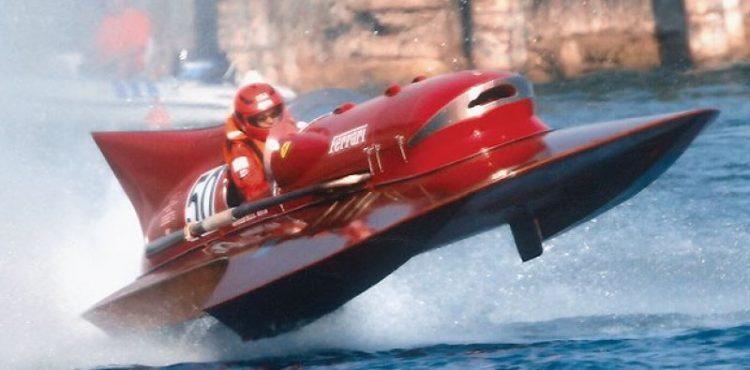 القارب الوحيد بمحرك فيراري في العالم!