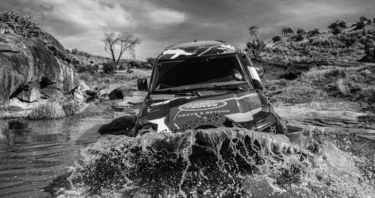مركبة لاند روفر ديفندر الجديدة في مهمة افريقية لتعقب الأسود