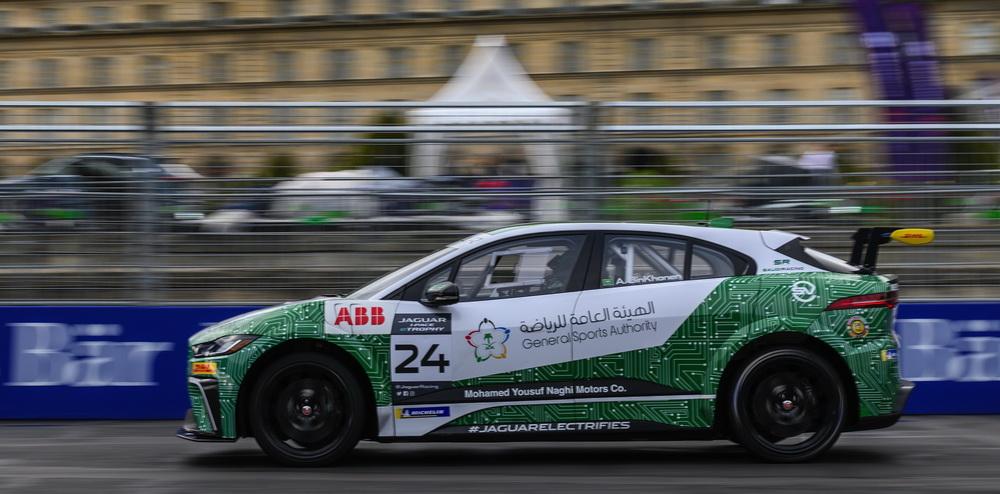 السائق السعودي بندر العيسائي في بطولة جاكوار I-PACE eTROPHY