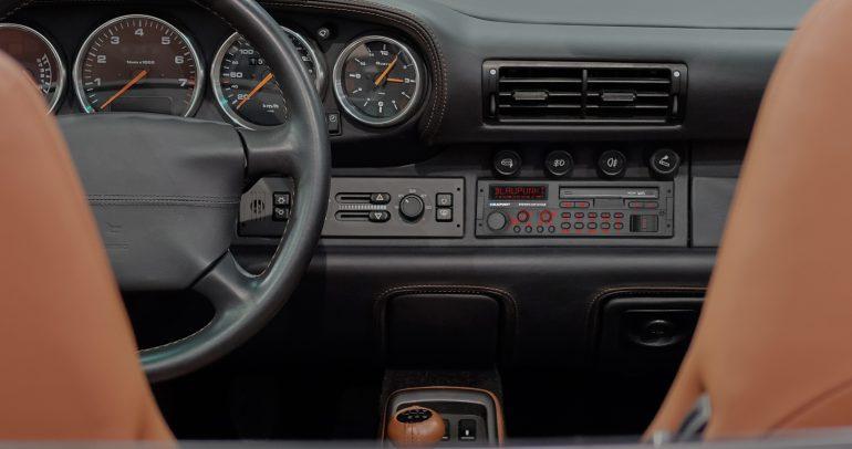 راديو بلوبونكت متوفر للسيارات الكلاسيكية