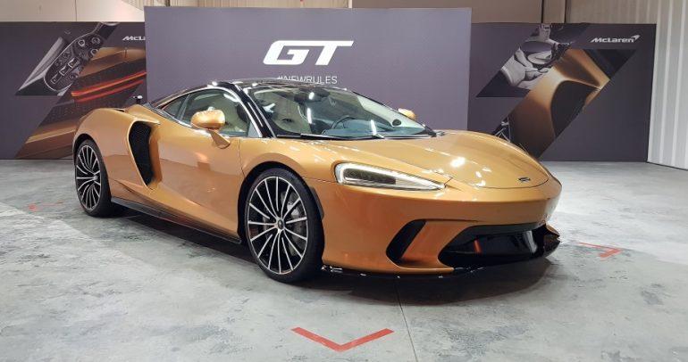 ماكلارين GT الجديدة ترسي معايير جديدة لفئة سيارات Grand Touring في دبي