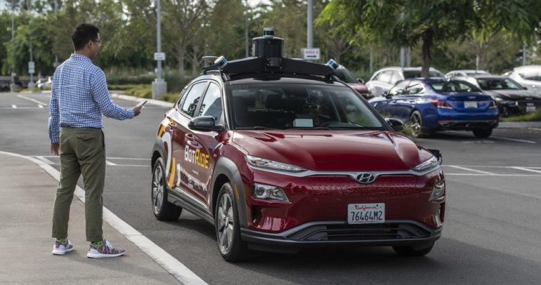 خدمة بوت رايد لمشاركة المركبات ذاتية القيادة عند الطلب!