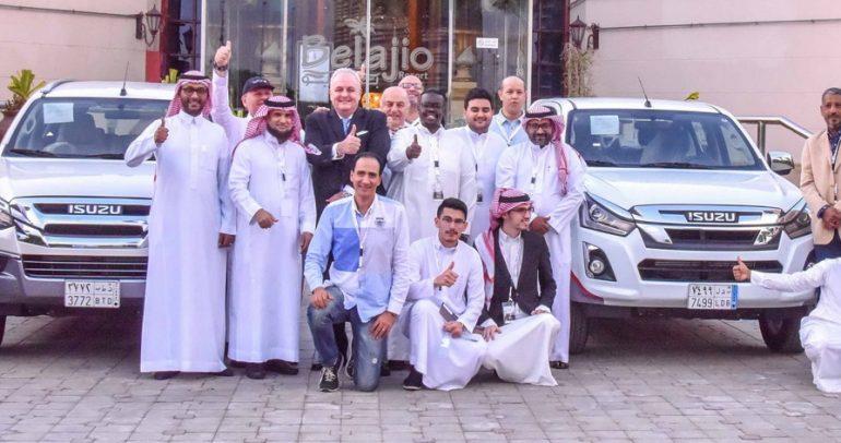 نجاح تحدي ايسوزو.. من السعودية الى البحرين بخزان وقود واحد