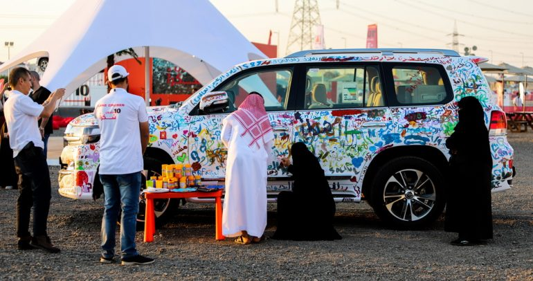 لاند كروزر تحتفل بتخطي حاجز الـ10 مليون سيارة حول العالم