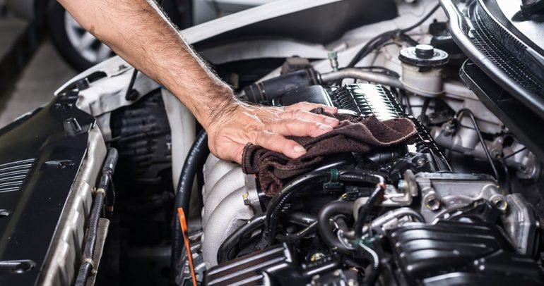 انطفاء محرك سيارتك بعد التشغيل.. الأسباب والحلول