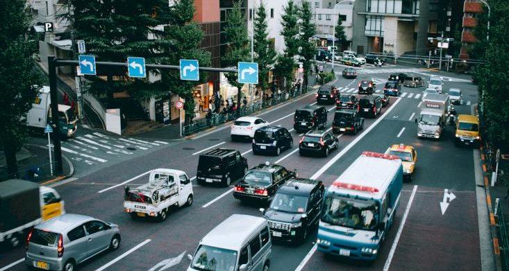 بعض شركات السيارات اليابانية تبدأ بإخلاء موظفيها من الصين