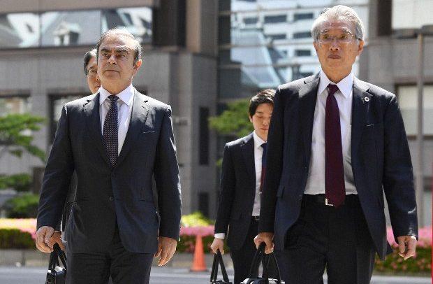 "غصن يطلب 15 مليون يورو من ""نيسان ميتسوبيشي"" تعويضاً له"