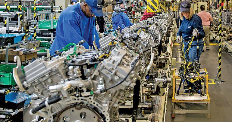 تويوتا ..أكبر مصنع للسيارات تتحدى كورونا