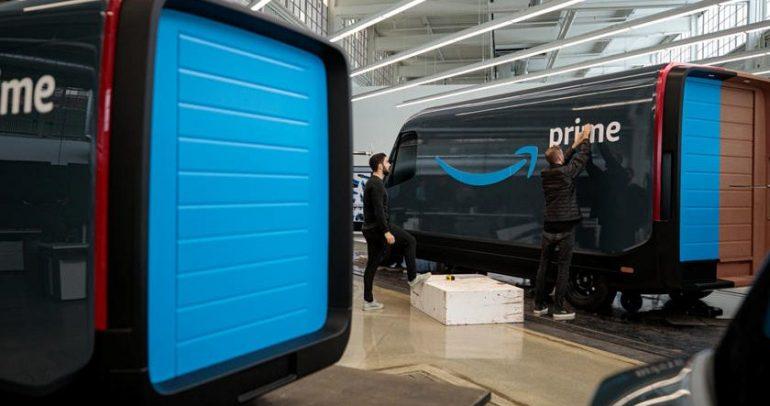 أمازون تستعرض شاحناتها الجديدة التي صممت من ريفيان