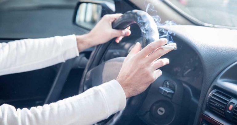 تعرفوا على أضرار ومخاطر التدخين في السيارة