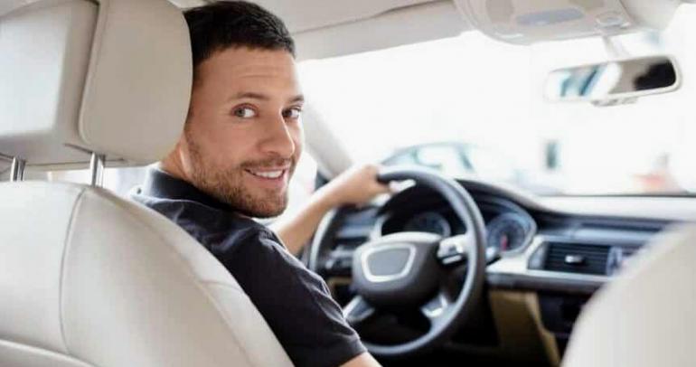 نصائح لقيادة السيارة بأمان