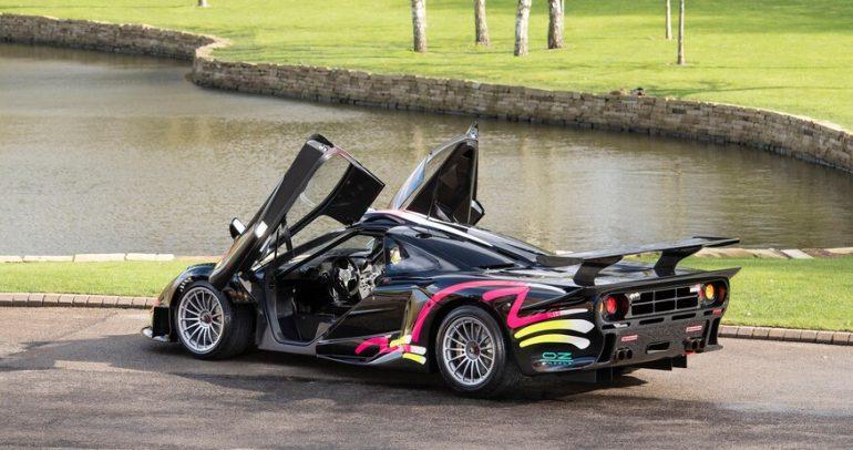 سيارة ماكلارين F1 GTR Longtail تعرض للبيع بسعر خيالي