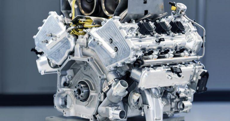 أستون مارتن تدخل عصراً جديداً في عالم المحركات بست أسطوانات