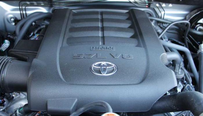 تويوتا تتخلى للمرة الأولى عن محرك V8 في طرازات شهيرة
