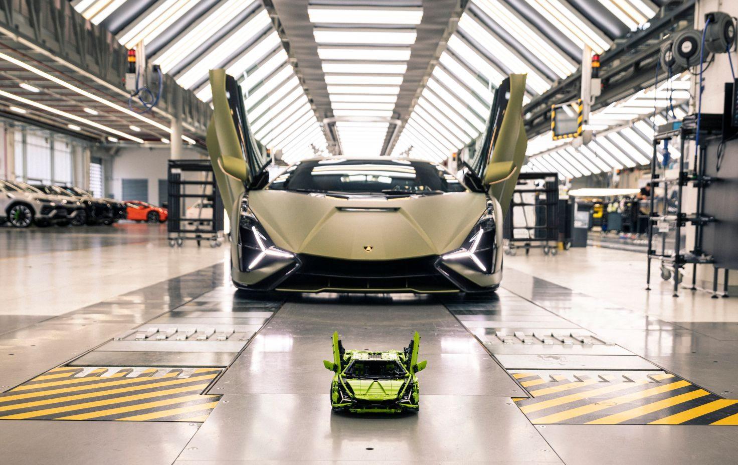 الصورة-1-'أوتوموبيلي-لامبورغيني'-و'مجموعة-ليغو'-تعيدان-ابتكار-Lamborghini-Sián-FKP-37-e1590752821581