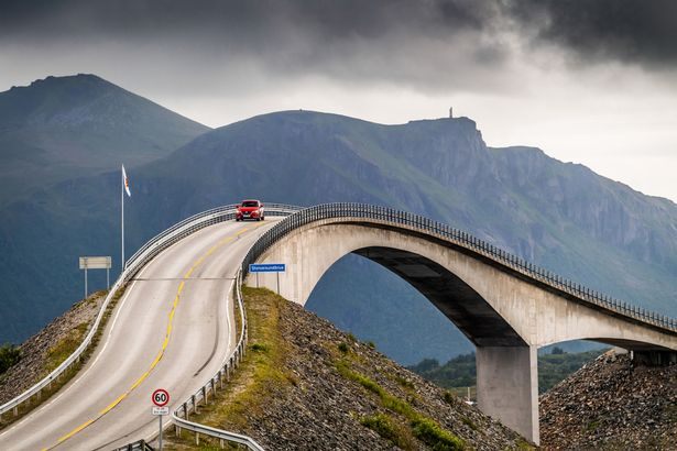 جسر Storseisundet في النرويج